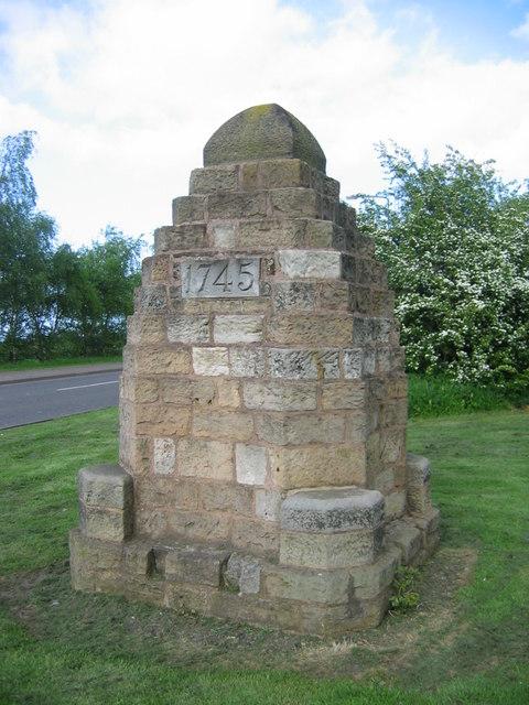 Cairn en hommage à la bataille de Prestonpans - (c) geograph.org.uk