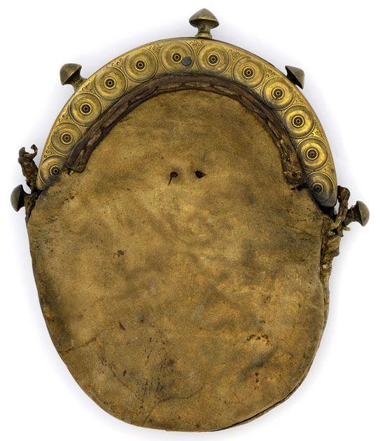 sporran retrouvé à Culloden - Peau de cerf et laiton - face avant - musée de Glasgow - ref: E.1940.45.dg