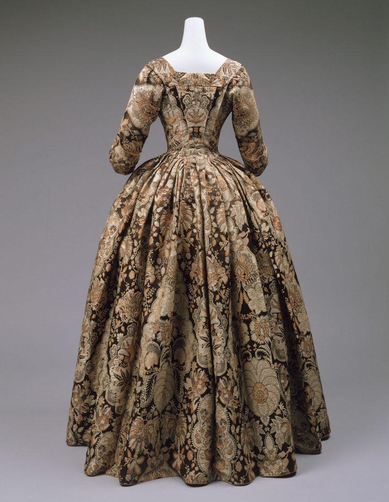 1ecad08f35f La mode féminine de la fin du XVIIème siècle aux lendemains du dress ...