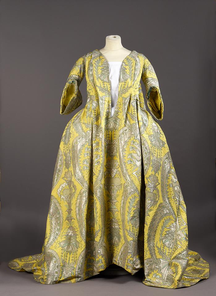 Robe volante 1730, palais Galliera