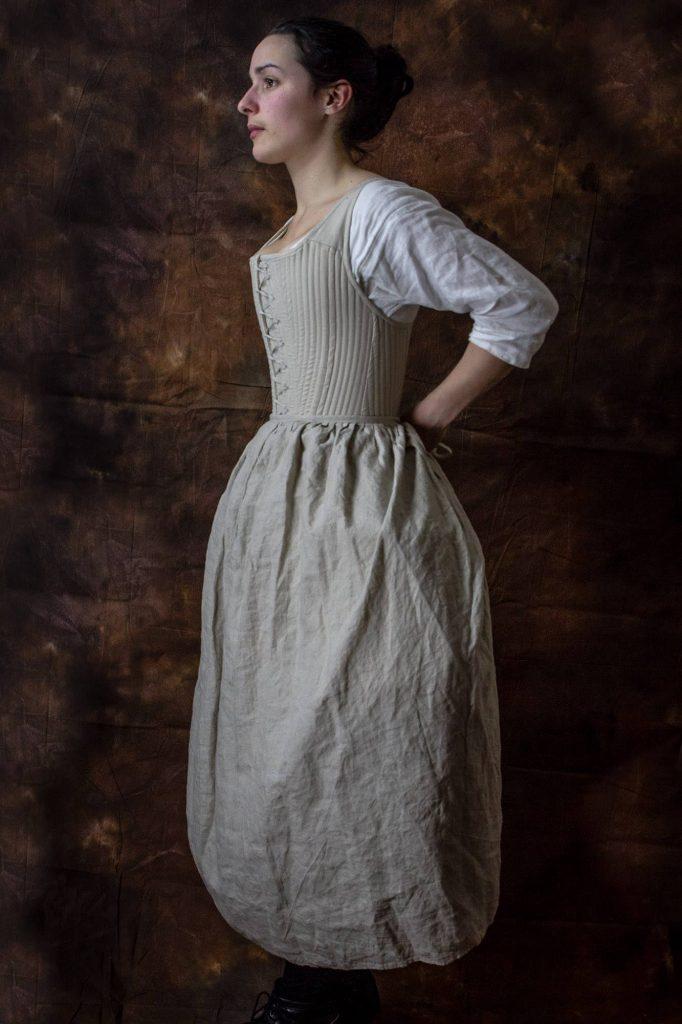 chemise, corset et jupon, lin, ca. 1730