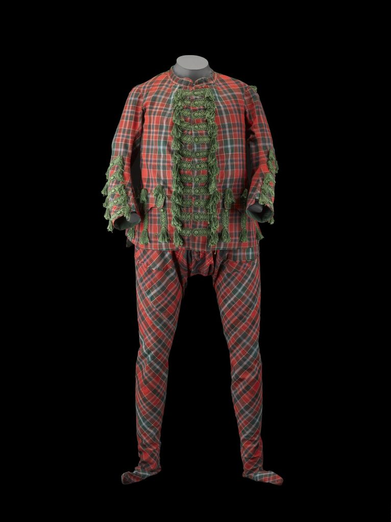 Highland dress de Sir John Hynde Cotton - 1744 - K.2005.16.2 Image : National Museums Scotland