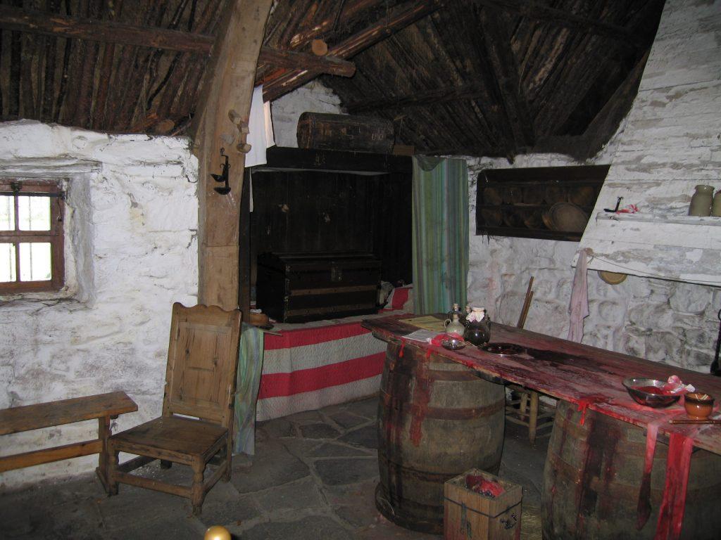 L'intérieur de Leanach reconstitué comme au 18e siècle / photo : Auz
