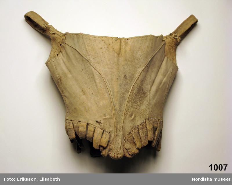 Stays en peau de chamois - 1750-1770 - Nordiska Museet (ref NM.0001007)