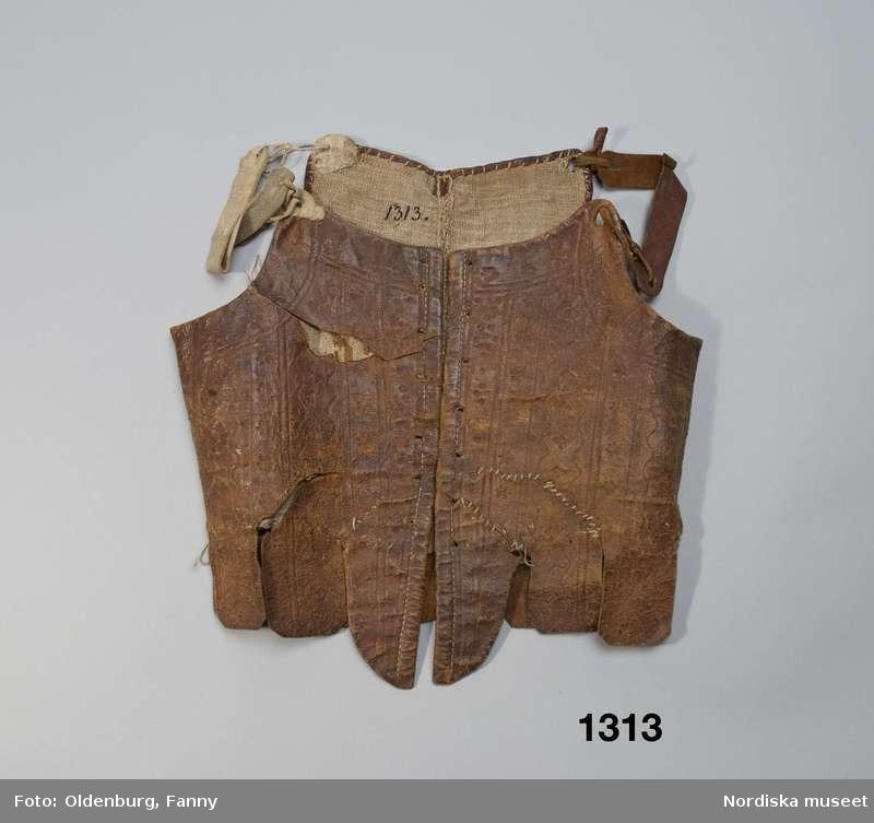 Stays en cuir marbré - 1750-1799 - Nordiska Museet (ref NM.0001313)