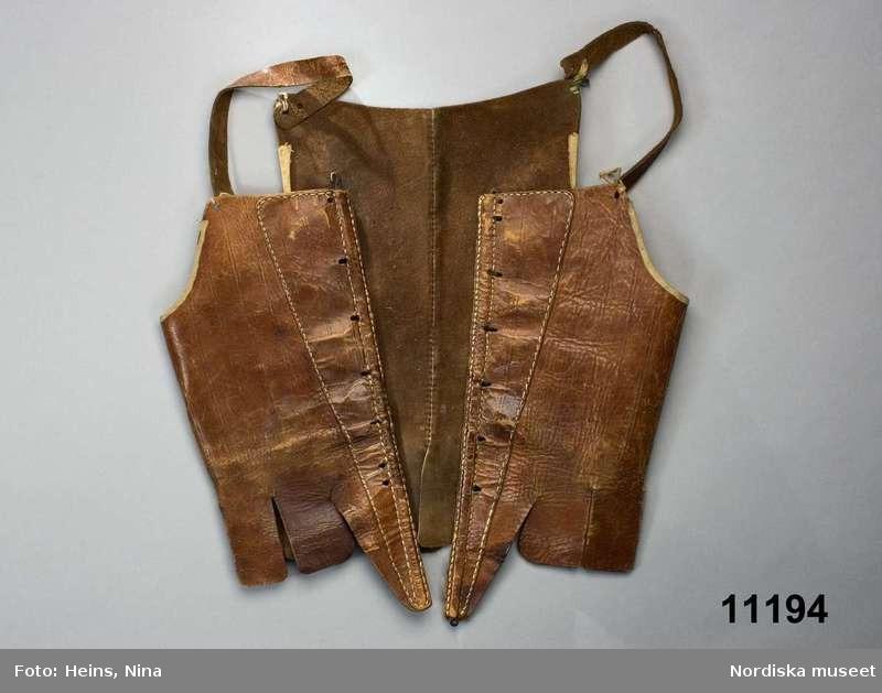 Stays en cuir - 1763-1773 - Nordiska Museet (ref NM.0001194)