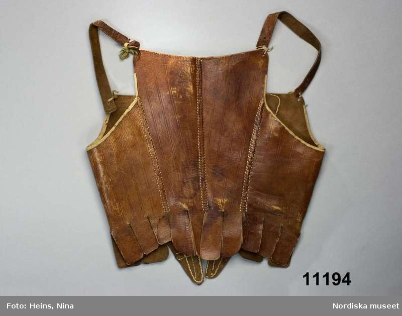 Stays en cuir - 1763-1773 - Nordiska Museet (ref NM.0001194)