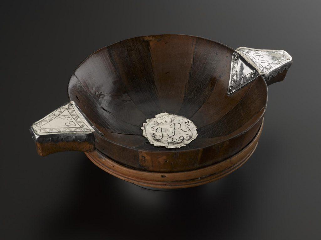 Quaich en bois, rotin et argent - 1692 - ref H.SJA 22 - National Museum of Scotland