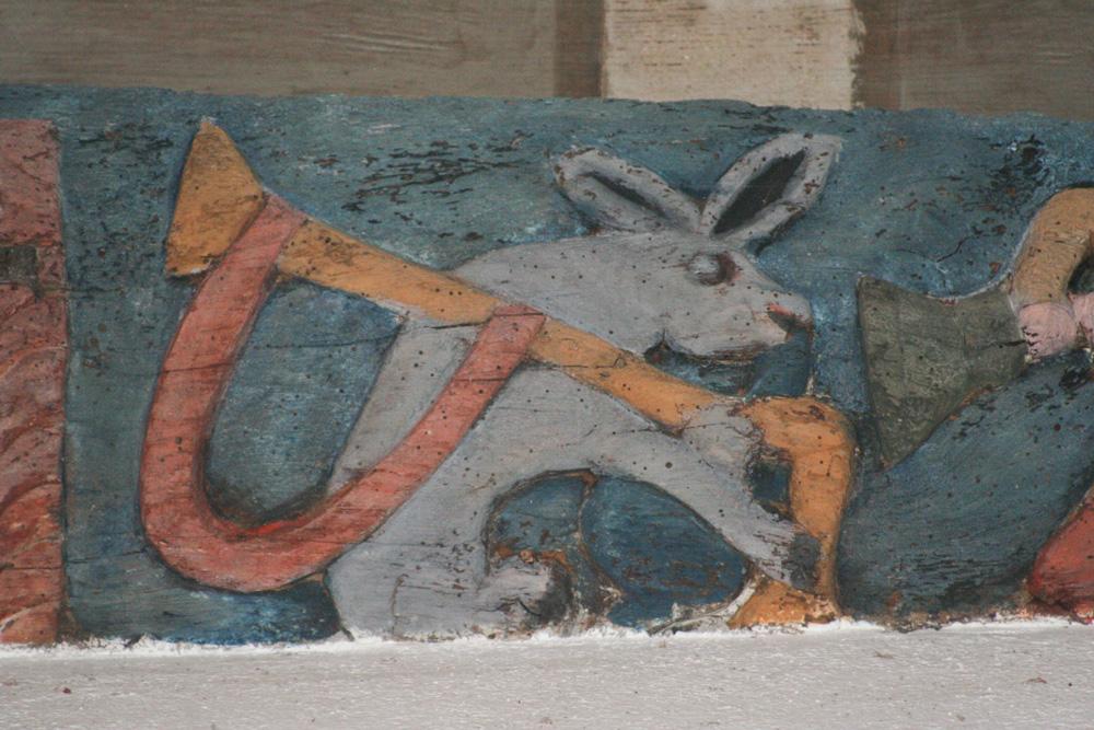 Ane jouant de la cornemuse, chapelle de Crénenan, Ploërdut (56) (Source: Carole David, www.paysan-breton.fr)