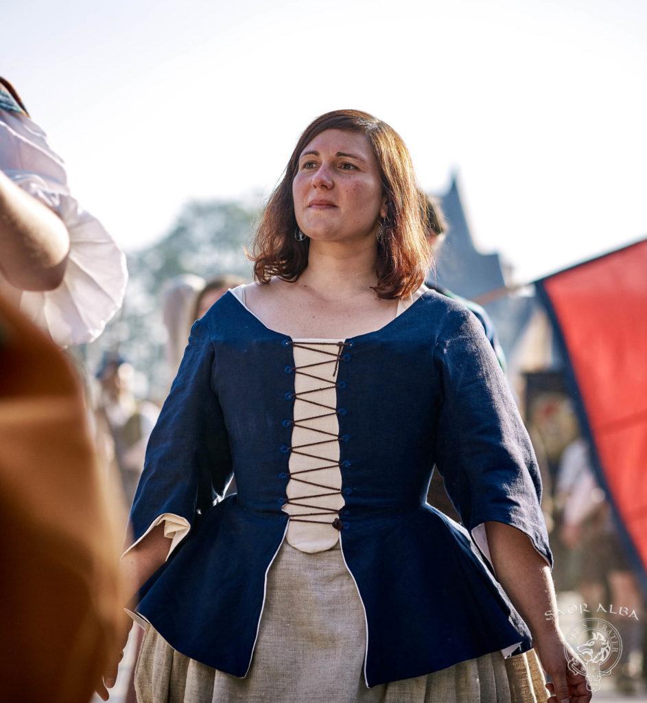 Clanswoman des Highlands du XVIIIe siècle - Saor Alba à Sully sur Loire - Photo par Vectan Prod