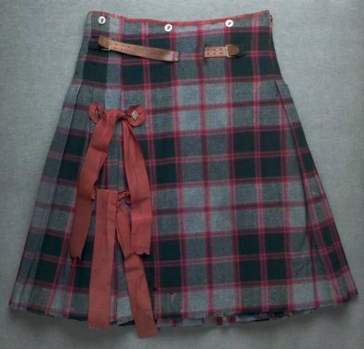 Petit kilt datant du XIXe siècle. Nous ignorons si sa construction est similaire aux petits kilts du XVIIIe siècle.